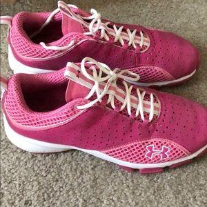 EUC WOMANS Pink Under Armour gym shoes 7.5